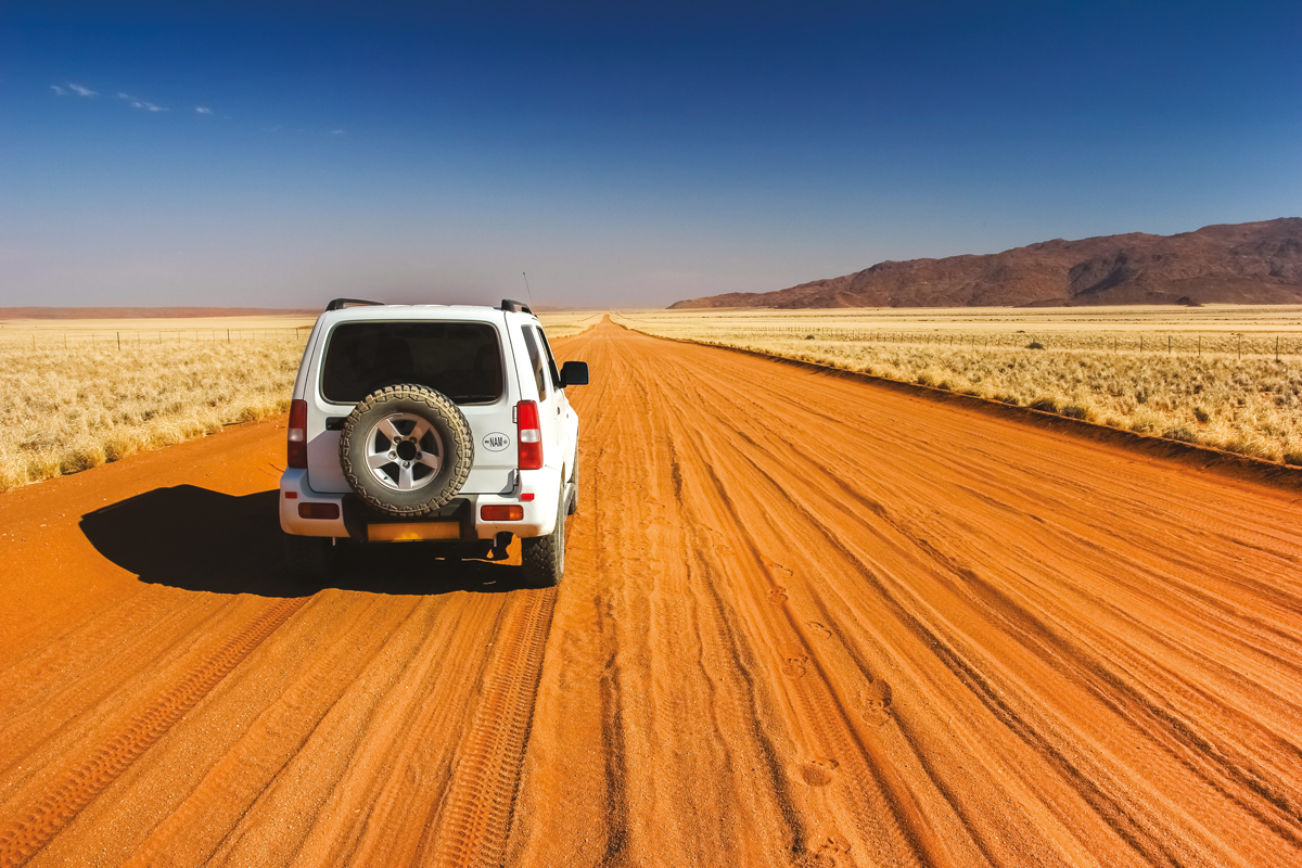 Babi-Babi hunting safari Namibia tracks - EN